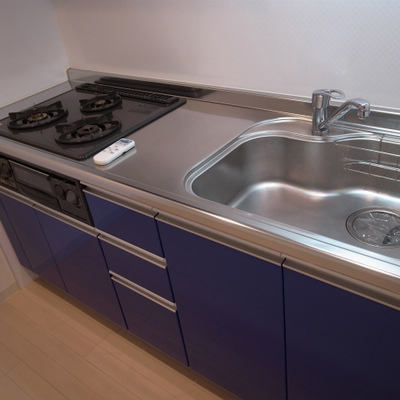 ブルーが素敵なキッチン※写真は別部屋です