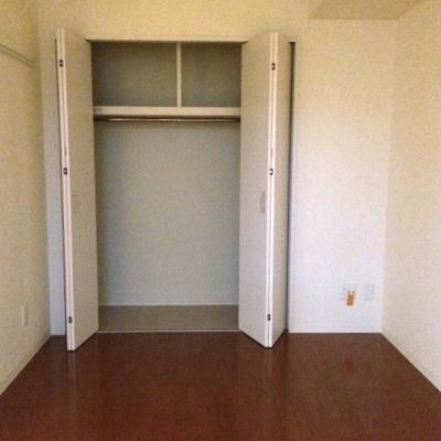 リビングの隣の居室