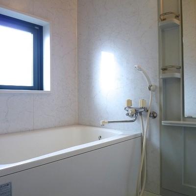 うれしい窓つきバスルーム