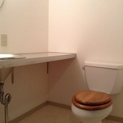 トイレ広々 ※写真は別部屋です