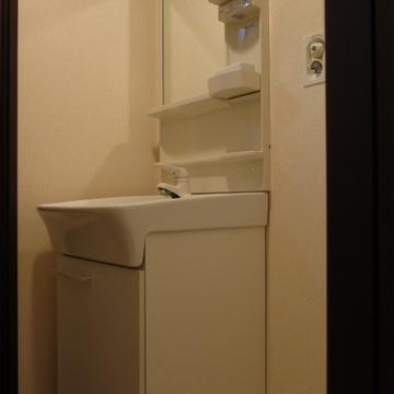 洗面台も付いていますよ〜この価格帯で。