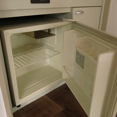 冷蔵庫つきなんです。お・と・く