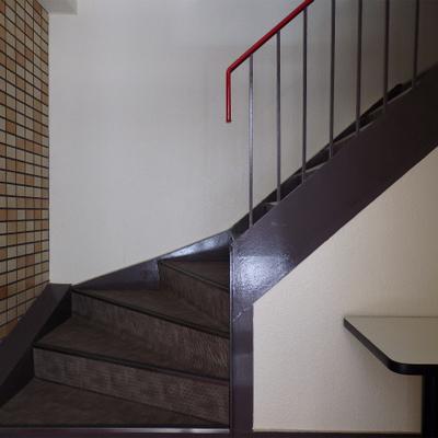 3階までは階段。そんなことはお構いなしで。