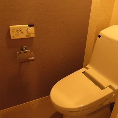 トイレ、設備は新しいです。