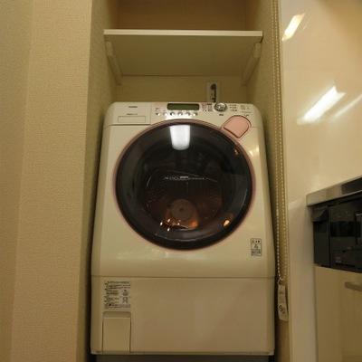 備え付けのドラム式洗濯機