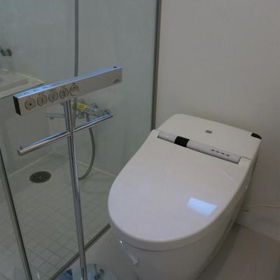 オシャレなトイレ〜。※写真は別室