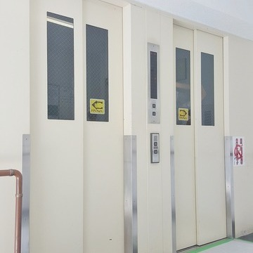 2基あれば朝のエレベーター渋滞も緩和されるでしょう。