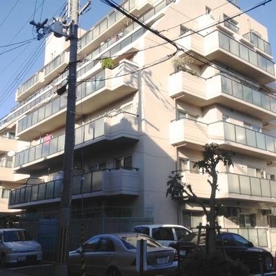 8階建てのマンションの1階部分になります。