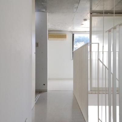 上階部分。奥のお部屋は5帖ほど。