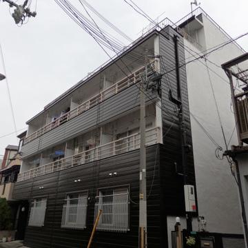 塚本駅から5分の立地。