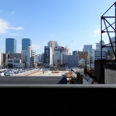 大都会の5階ですが、意外と目の前はすっきりしています。