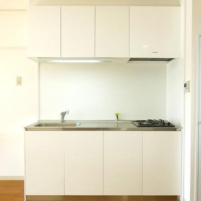 白いキッチンはやはり映えますね