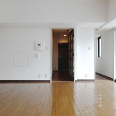 お部屋は12帖ほどの広さ。
