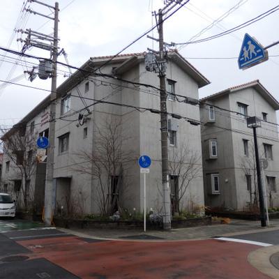 大阪市ハウジングデザイン受賞!三角屋根の可愛らしい外観。