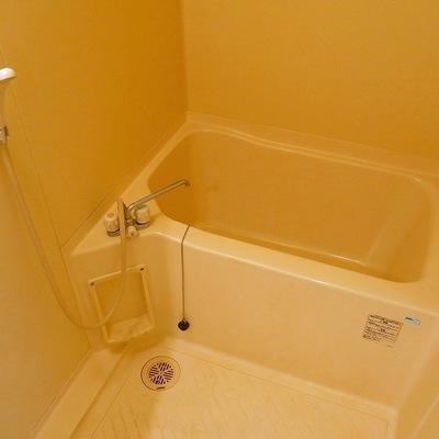 コンパクトなお風呂です