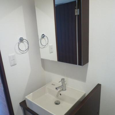 独立洗面台※写真は別部屋です
