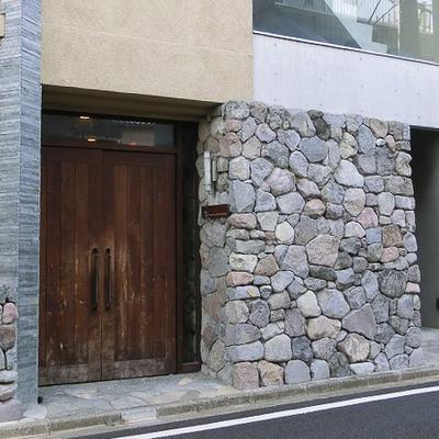 素敵なドアですねえ。こういうの好きです。