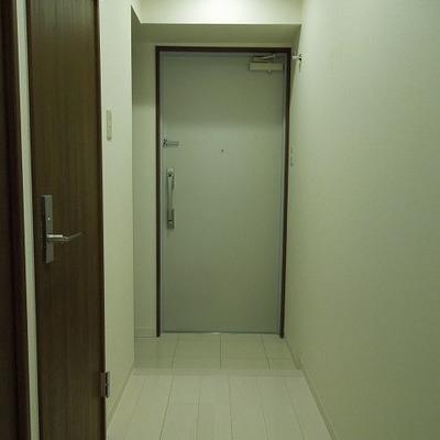 玄関はこんな感じです