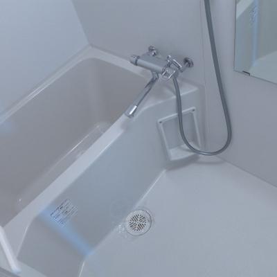 お風呂もピカピカ!清潔感は大事です!※写真は別部屋になります。