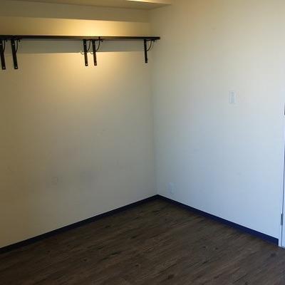 上に少し収納スペース