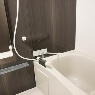 お風呂広々です。 ※写真は別部屋です