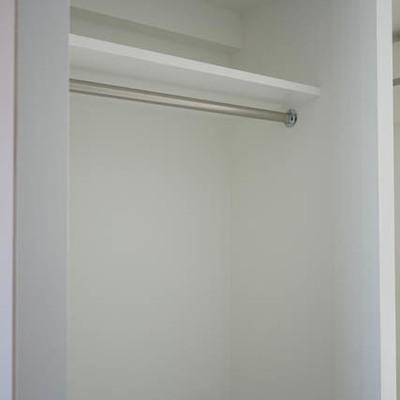 オープンなクローゼット。※写真は別部屋です。