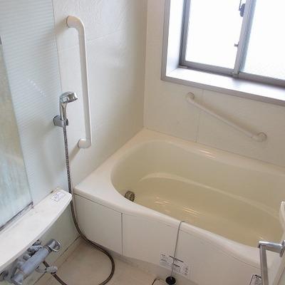 乾燥機付のバスルーム(クリーニング前)