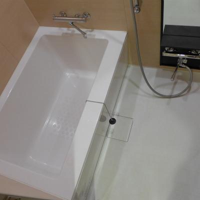 お風呂も広め!ピカピカ気持ち良い!※写真は別部屋になります。