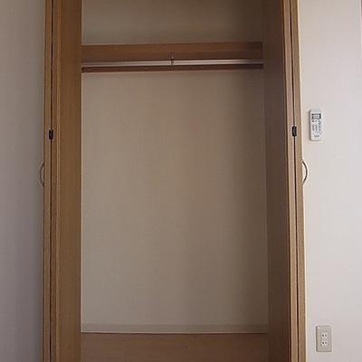クローゼット。※写真は別部屋です