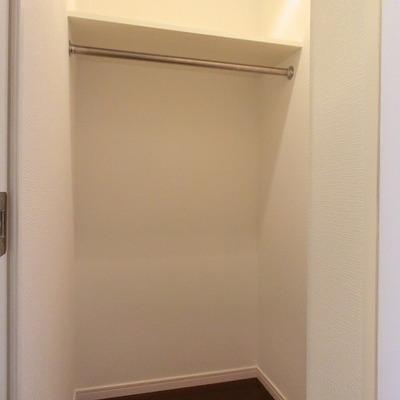 玄関横にウォークインクローゼット