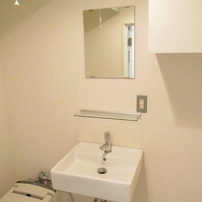 トイレの横が洗面台です。