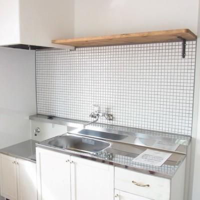 キッチンのヴィンテージ棚