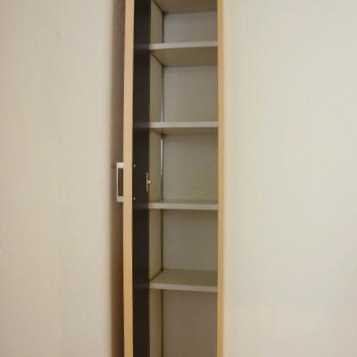 玄関にも収納スペース