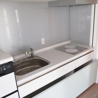 キッチン大きめで食洗機も付いてます。