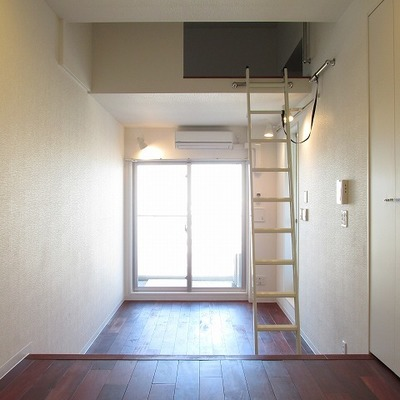 ロフトを活用するお部屋です。 ※写真は別部屋です。