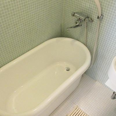 お風呂もゆったりと言った感じです。※写真は別部屋