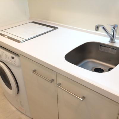 キッチンには洗濯機つきです