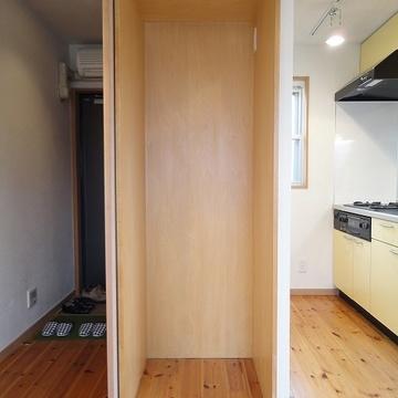 ここに冷蔵庫が入ります。※写真は別部屋です