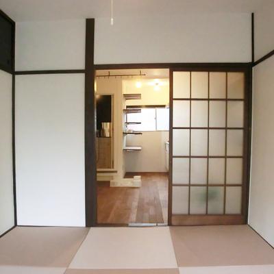 明るい和室で心地良さそう。
