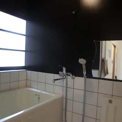 和モダンなお風呂ってなかなかないですよね!