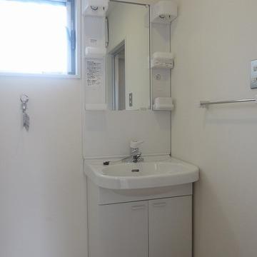 脱衣スペースも取れる洗面所