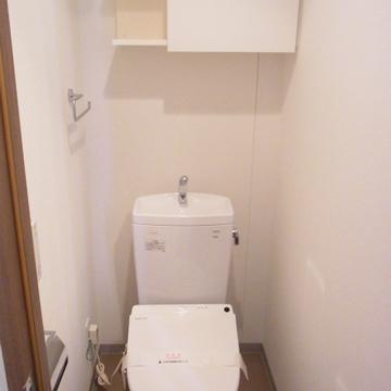 収納ありのトイレ