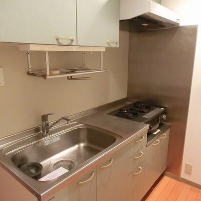 キッチンもたくさん収納あり!