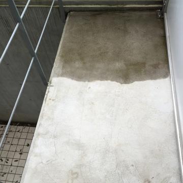 こちらは1階のベランダ。地下にもあります。