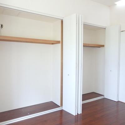 収納も広々な2階の洋室!