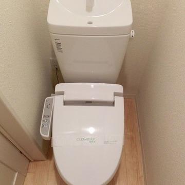 各階にそれぞれトイレがあります◎※画像は同じ間取りの別部屋です