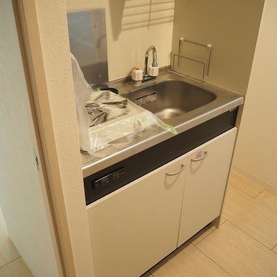キッチンは狭いかな