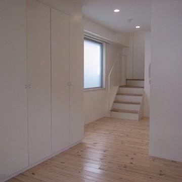 下の洋室。