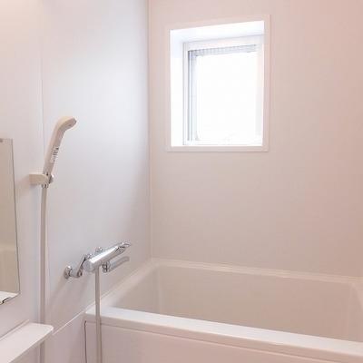 お風呂に窓があるのがうれしい◎