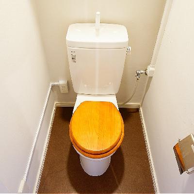 トイレには木製便座を♪